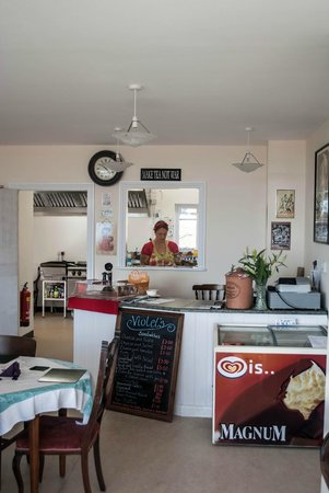 The Wight Military and Heritage Museum: The 1940's themed cafe
