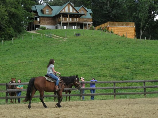 KD Guest Ranch: The main lodge