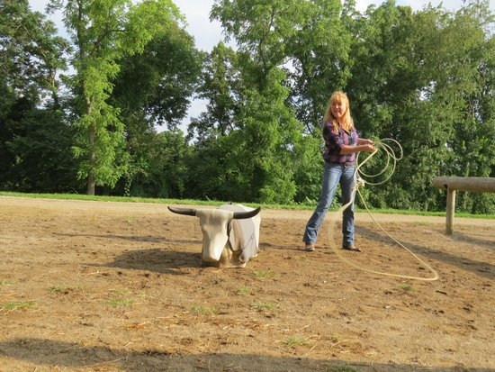 KD Guest Ranch : Roping