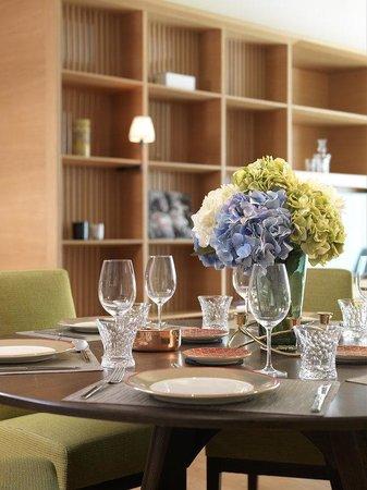 Lanson Place Bukit Ceylon Serviced Residences: Two Bedroom Residensi Dining Area