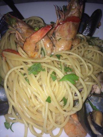 Ouzeri Ton Naftikon: Gli spaghetti ai frutti di mare