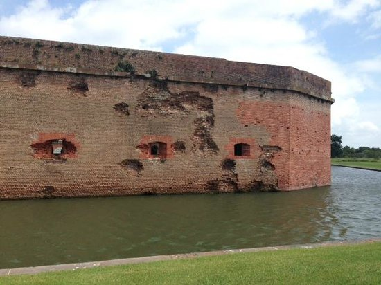 Fort Pulaski National Monument: Fort damage