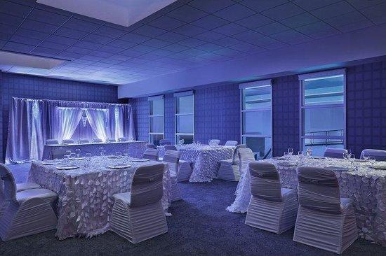 Aloft Calgary University : Wedding