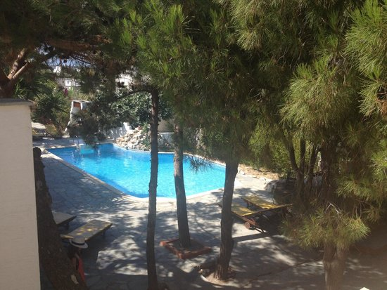 Summerland  Holiday's Resort : Piscina vicino all'ingresso principale