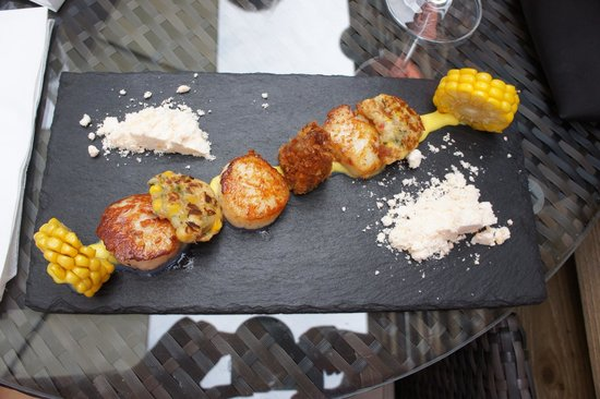 The Three Tuns: Scallops - a must!!