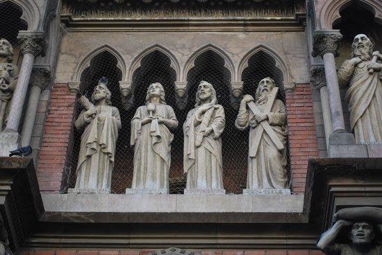 Iglesia de Los Capuchinos: Detalhe da fachada II.