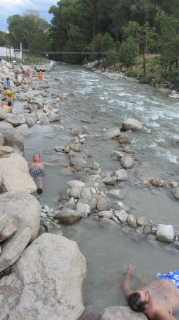 Mount Princeton Hot Springs Resort: build your own river hot bath