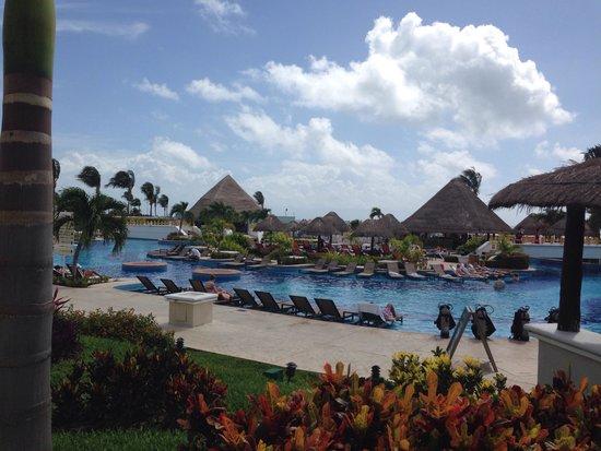 Moon Palace Cancun: Piscinas Sunrise