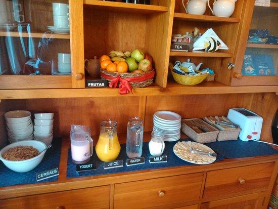 Posada El Viajero: Desayuno variado.