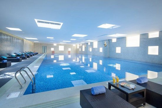 Holiday Inn Qingdao Expo: Swimming Pool