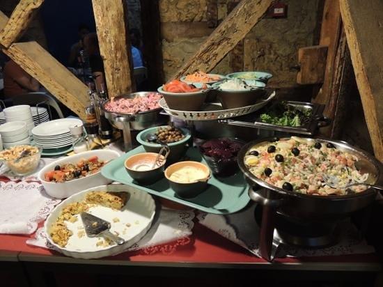 rosa da rua: buffet entrees