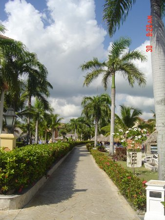 Grand Bahia Principe Punta Cana : walking path