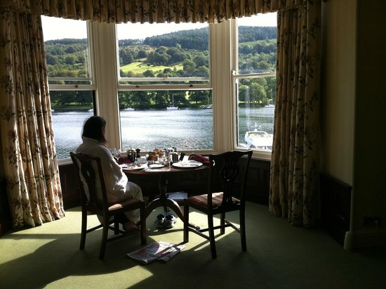 Lakeside Hotel: our breakfast spot in our room