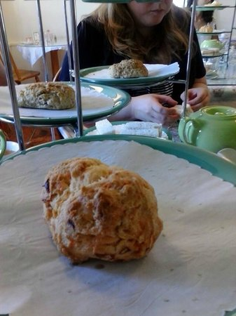 The Tailored Tea: Roasted pepper and onion scone
