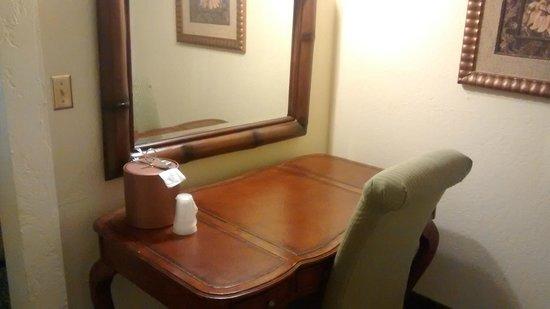 El Cortez Hotel & Casino: study desk
