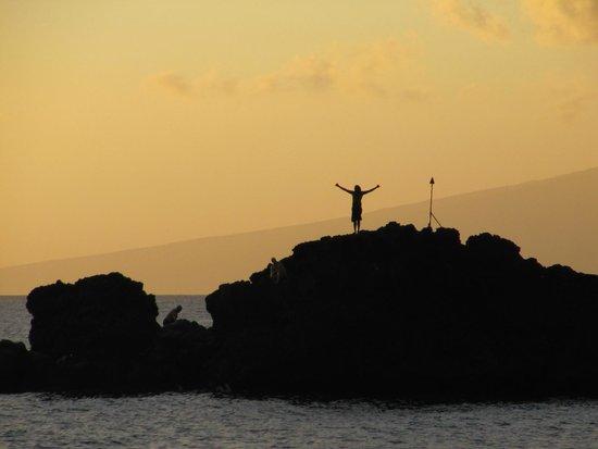 Black Rock: Ritual do mergulho ao por do sol