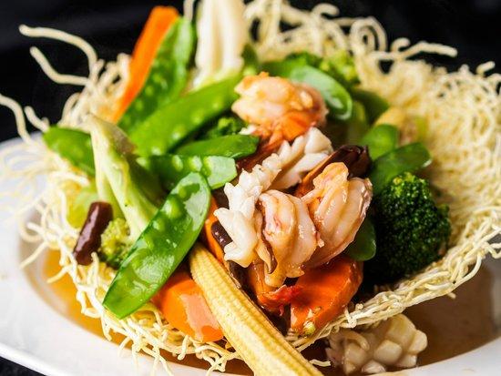 Tamarine by Quynh Nhi: Seafood Crispy Noodles