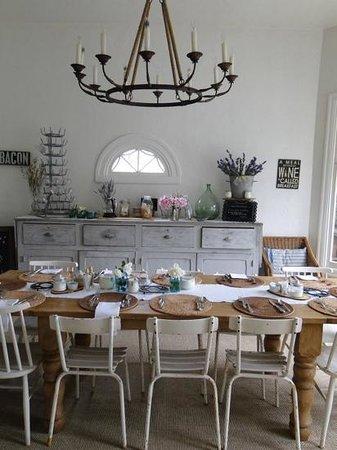 An Inn 2 Remember: breakfast room