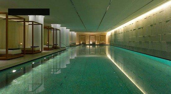 Lancaster Plaza Beirut: Pool