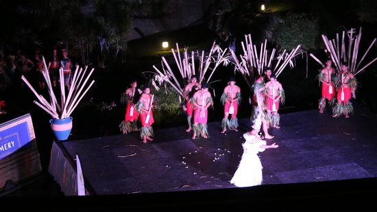 Le Meridien Tahiti: Polyneasian show view from the room balcony