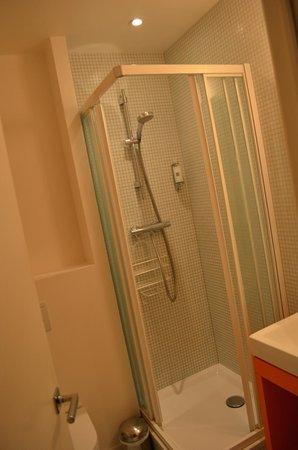 Vintage Hotel Bruxelles : Bathroom view 1