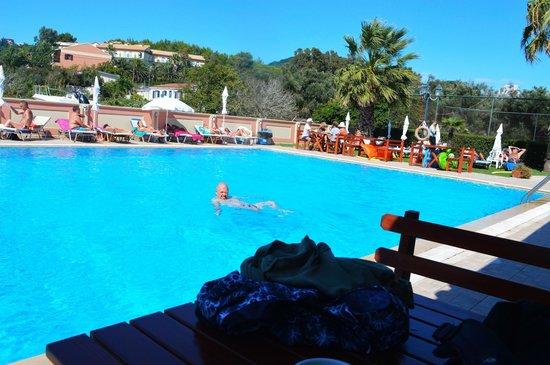 Thomas Bay : pool
