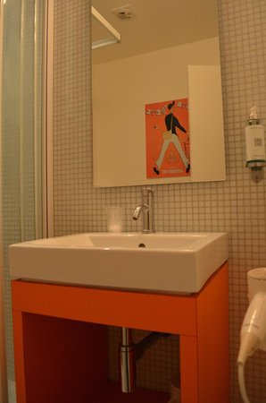 Vintage Hotel Bruxelles : Bathroom view 2