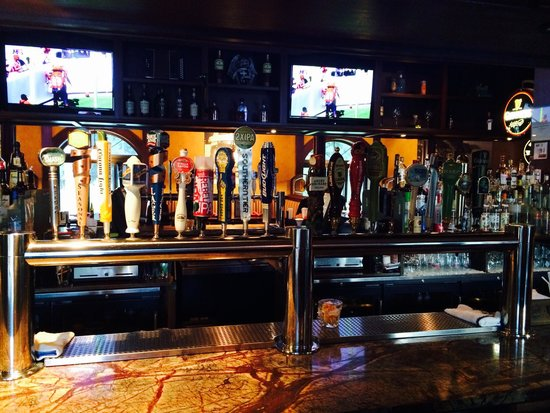 Mary Kelly's Restaurant & Pub: 20 beers on tap.