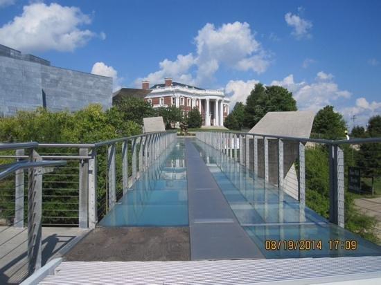 Walnut Street Bridge: glass bridge