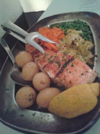 Mullens Restaurant and Bar: The salmon