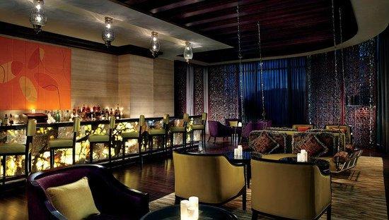The Ritz-Carlton, Bangalore: The Ritz-Carlton Bar