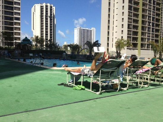 Darmic Waikiki Banyan: best pool area at a Waikiki Hotel