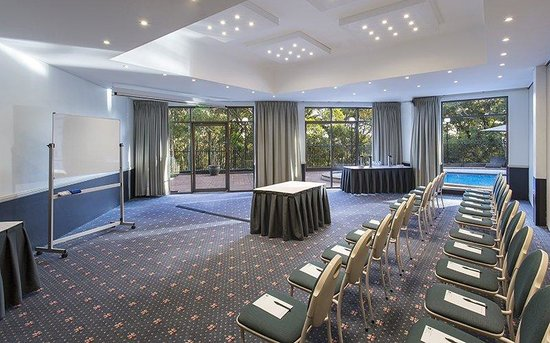 BEST WESTERN PLUS Apollo International: Conference Space