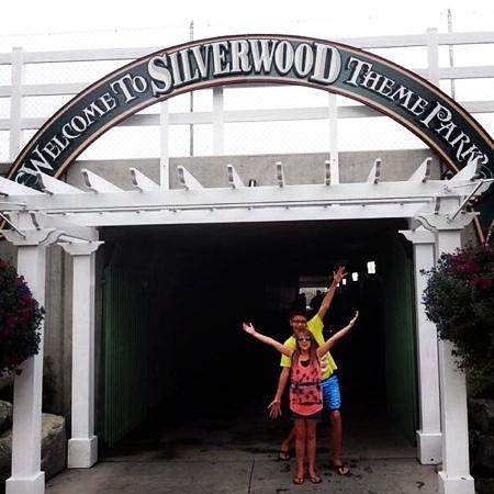 Silverwood Theme Park: entering the park