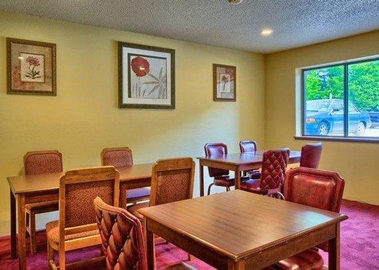 Rodeway Inn: MIBreakfast Eating Area