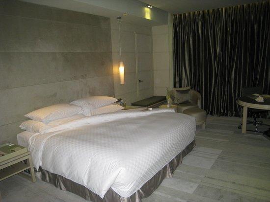 Hotel Nikko Saigon: ベッド