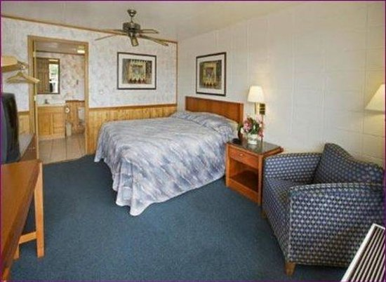 Town & Country Inn: Jacuzziroom
