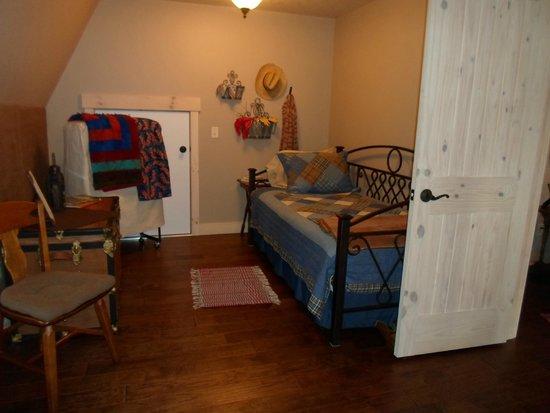 The Oliver Acreage: bedroom
