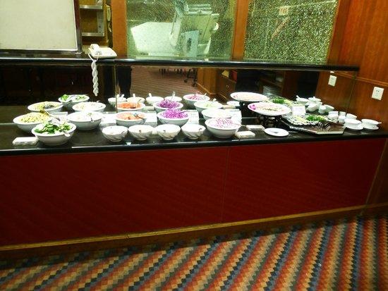 DaTang JinCheng: The salad/sushi buffet