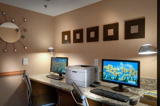 Best Western Plus Rancho Cordova Inn: Business Center