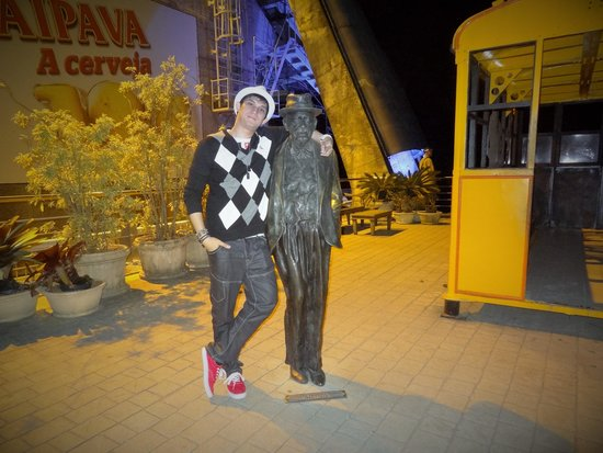 Pain de Sucre : Me and Augusto Ferreira Ramos' Statue, The engineer who envisioned the cable cars and cableway o