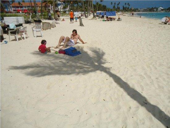 Decameron Isleño: Playa del hotel, la más ancha de toda la isla dicen
