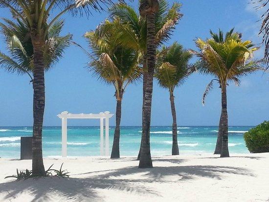 Grand Palladium Colonial Resort & Spa: Kentennah Beach