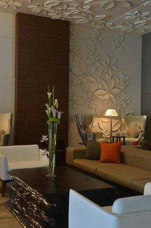 Ramee Grand Hotel & Spa: Hotel Lobby