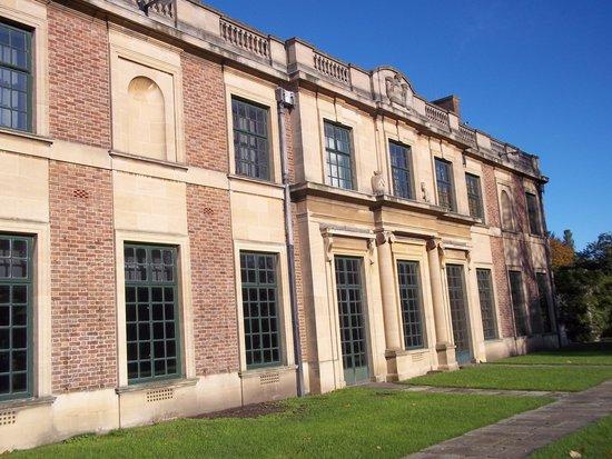 Eltham Palace and Gardens : courthauld wing