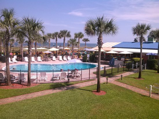 Seahorse Oceanfront Inn: The pool area