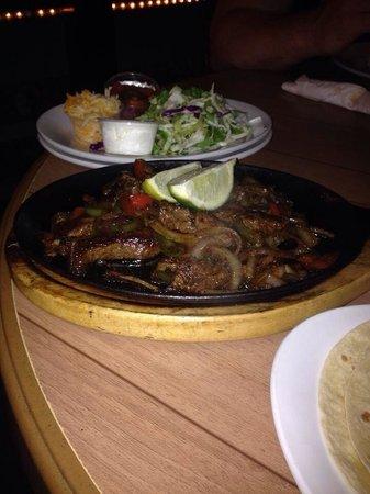 Coconut Joe's Beach Bar & Grill: Steak fajitas are a must try!