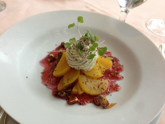 The Farmhouse At Turkey Hill: Golden beets appetizer