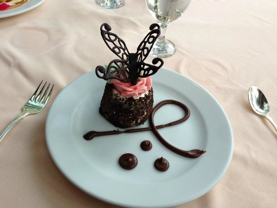 The Farmhouse At Turkey Hill: Chocolate mousse cake dessert