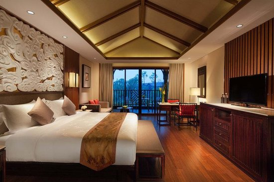 Emei Resort: Deluxe Lake View Room